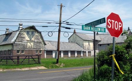 20 dark hollow barn